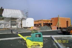sanierung der denkmalgeschützten scheune, neuer anbau, neugestaltung außenanlage am 5.10.2012